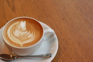 a1380 000742 300x199 出会い喫茶と出会い系サイトを比較!